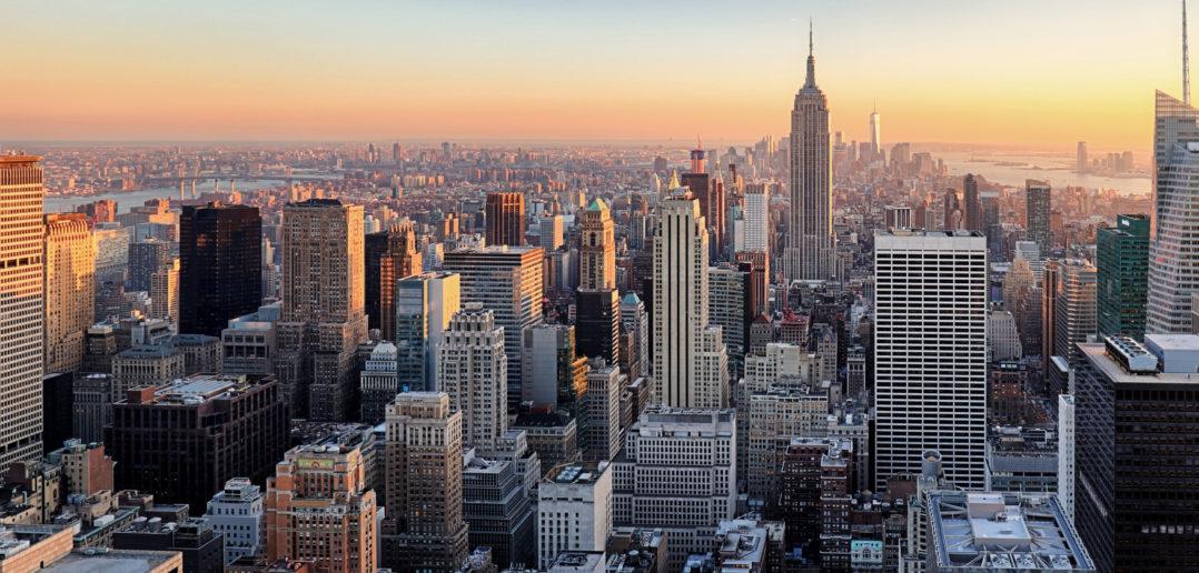 New York City. Manhattan downtown skyline. © TomasSereda/GettyImages